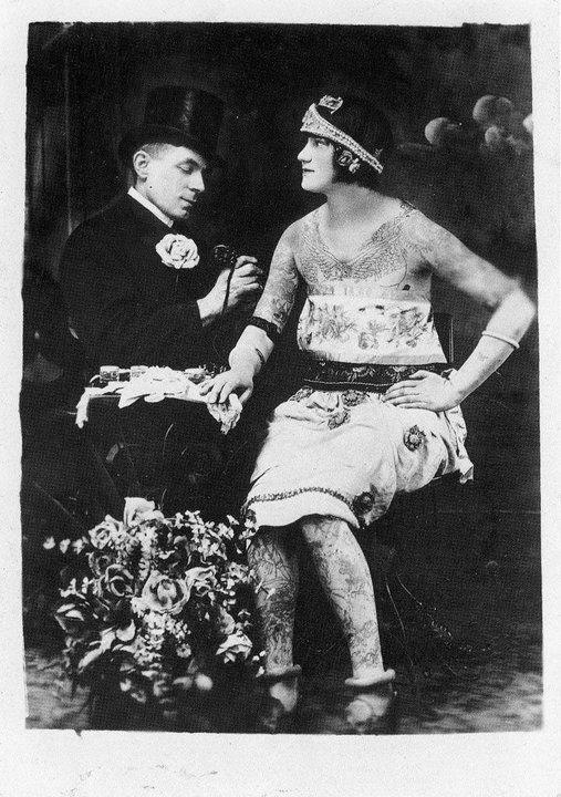 http://photofun4u.com/36-classic-vintage-photograph-of-tattoos-on-men-and-women