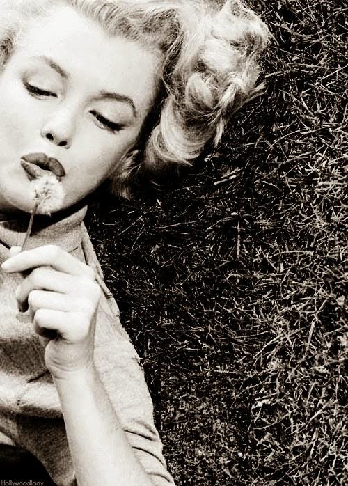 Anastasia Drawing & Dreaming: Vintage Style icon: Marilyn Monroe