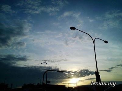 Sky (SE f100i)