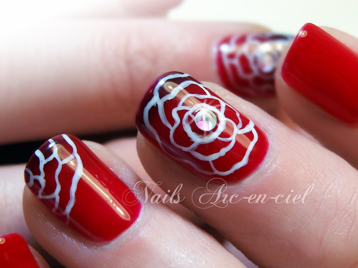 nail art fleur vernis thermosensible Lechat