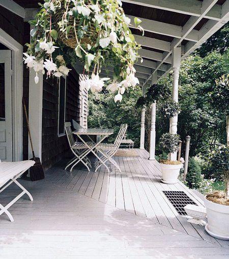 Il portico in legno in stile americano cucina green for Case in stile meridionale con avvolgente portico