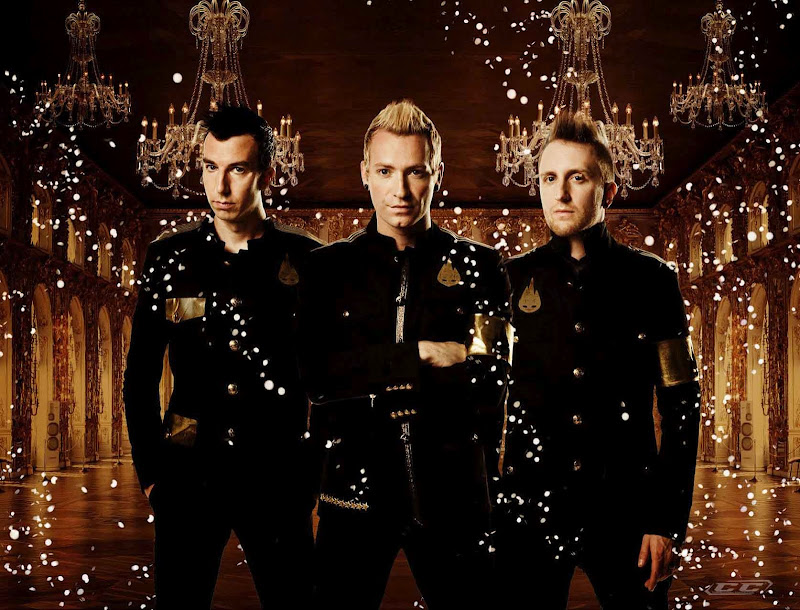 Thousand_Foot_Krutch_The_end_is_where_we_begin_2012_Biography_and_history