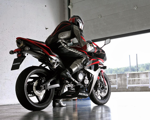 Honda CBR 600RR Wallpaper