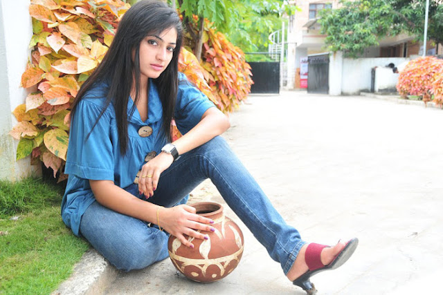 actress hari priya