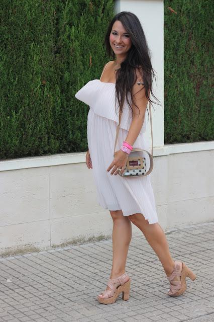 http://silviparalasamigas.blogspot.com.es/2015/08/vestido-rosa-palo.html