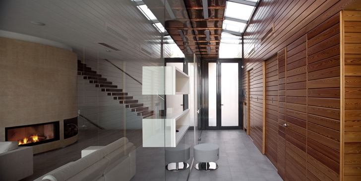 Glass and wood hallway in Contemporary house in Ukraine by Drozdov & Partners