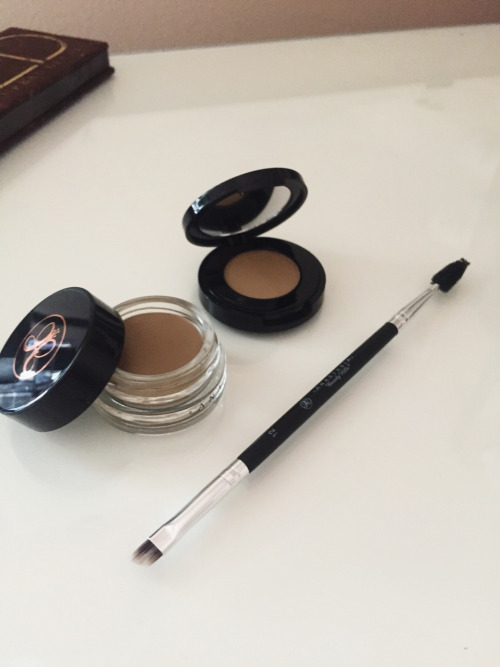 A Chic Blonde By Far The Best Eyebrow Products