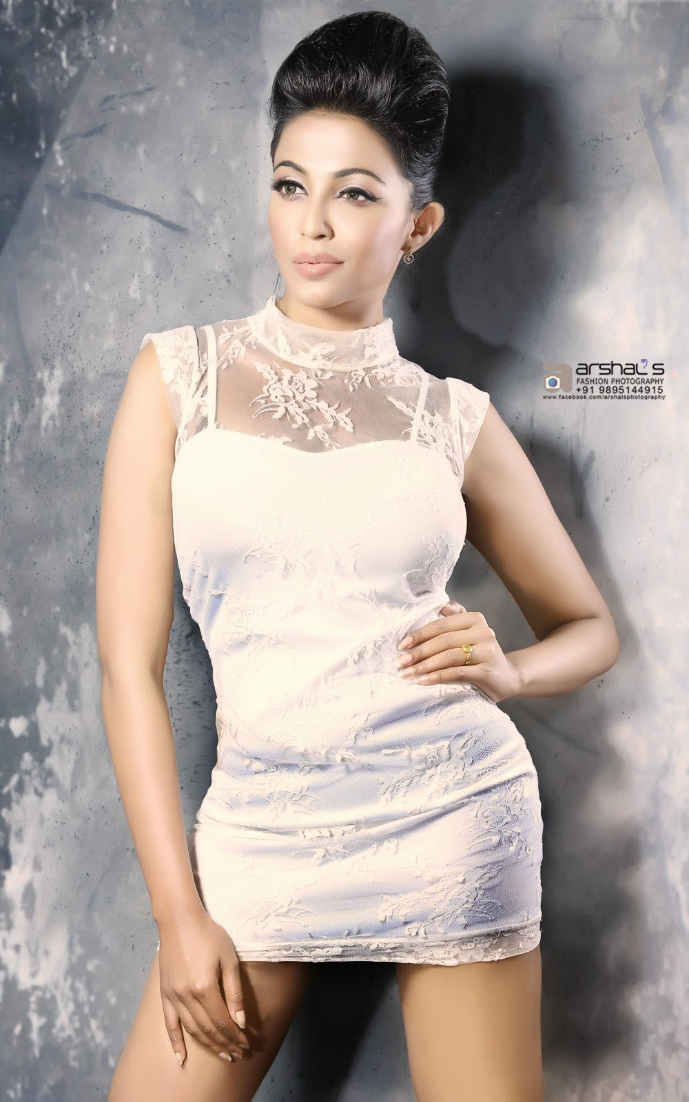 Parvathy Nair New Sizzling Hot Photo Shoot