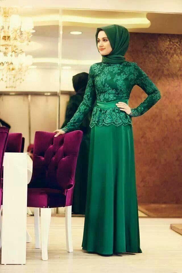 Gambar Dress Pesta Muslimah Ivan Gunawan Model Gaun Ivan
