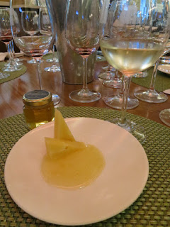 Tasting Plate #4: Mead with Thunder Oak Aged Gouda