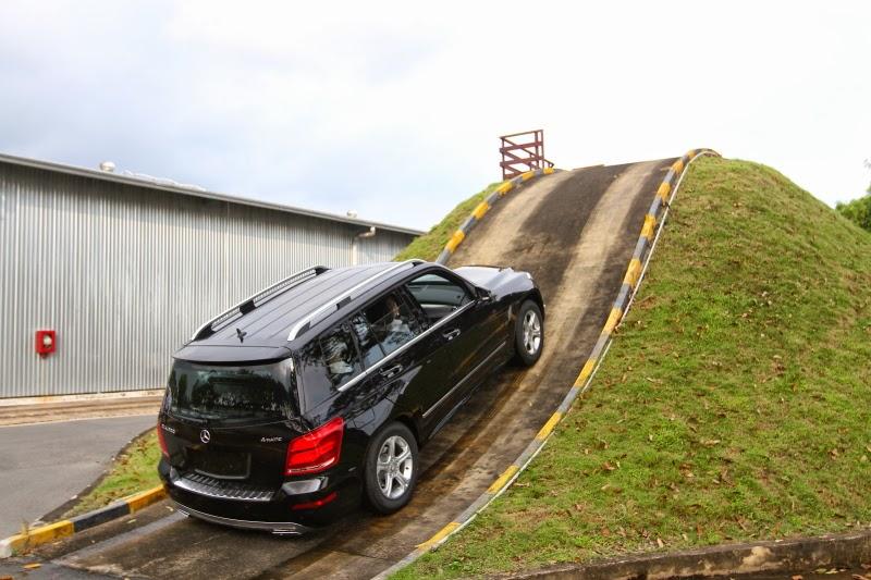 Lái xe oto lên dốc
