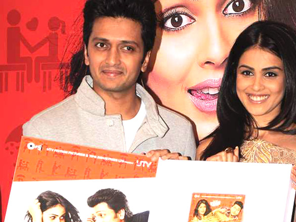 Genelia DSouza Riteish Deshmukh1 - Genelia and Riteish at Audio release of 'Tere Naal Love Ho Gaya'