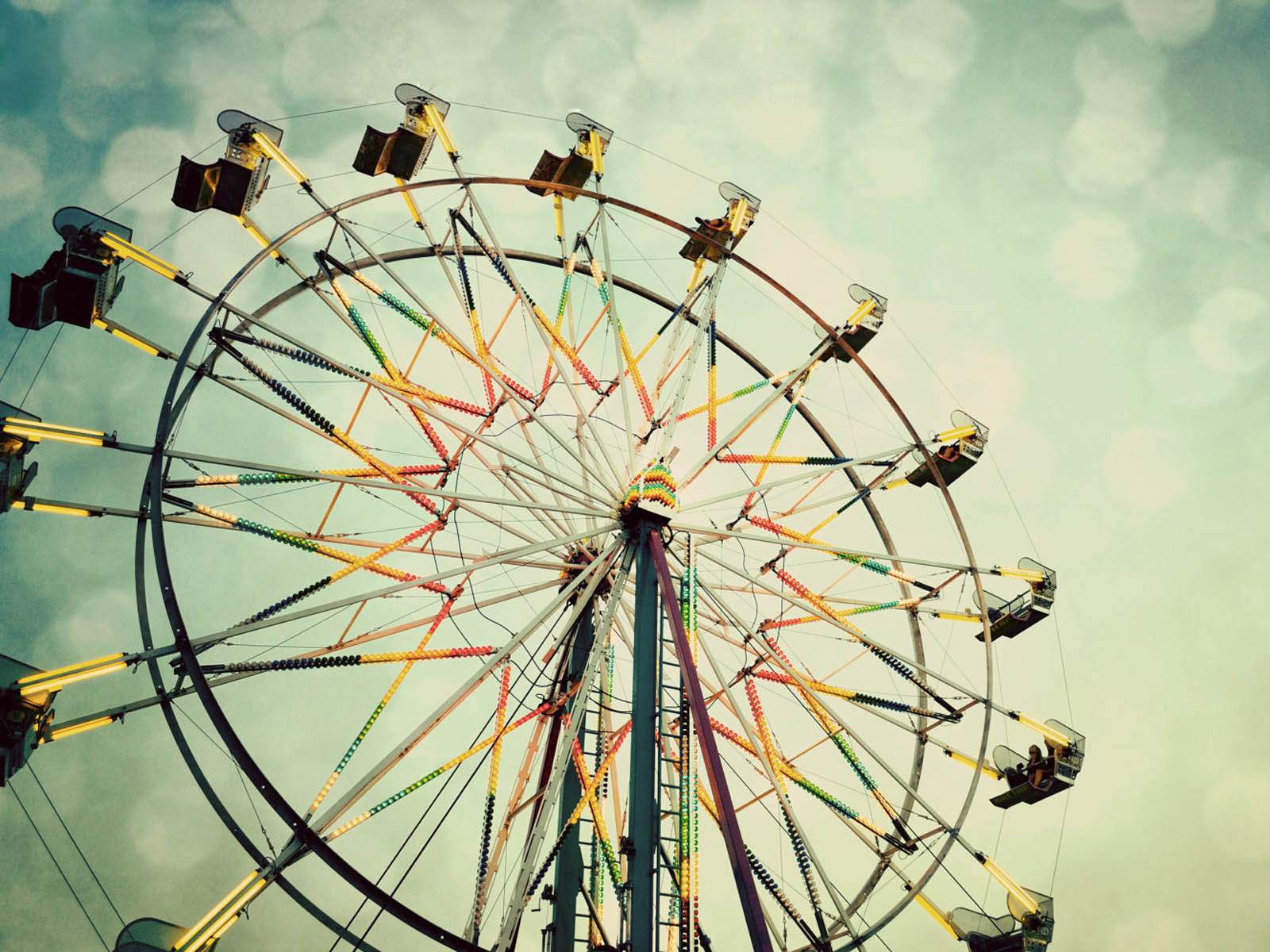 ferris wheel Ferris wheel, take a spin through this wild bubble shooter can you pop all of the colorful bubbles that are waiting for you at this carnival take aim and fire in this online game.