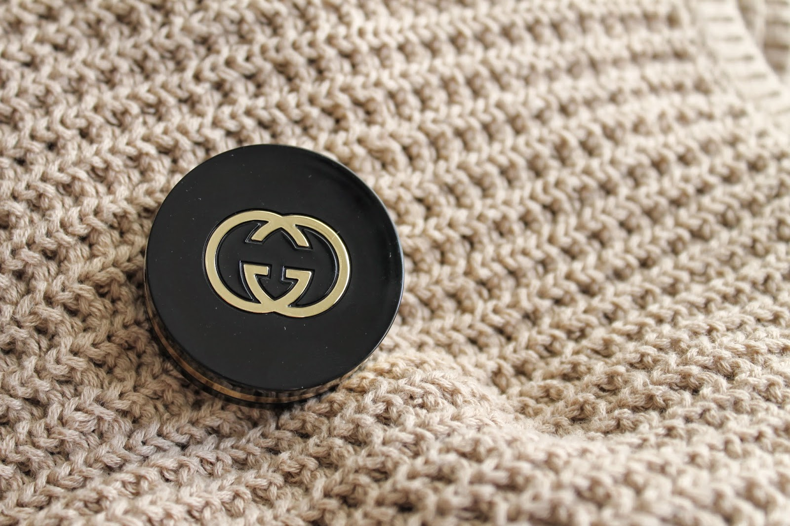 GUCCI MAGNETIC COLOR EYESHADOW MONO