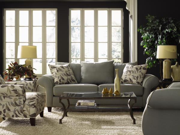 bit country class but I love the dark gray walls.