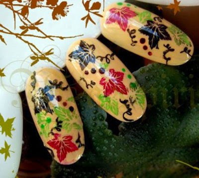http://nailsshine.com/2011/09/02/autumn-nail-art-designs-2011/