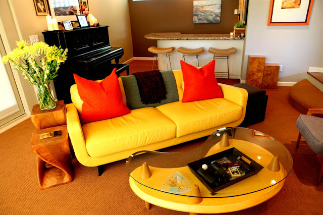 Yellow living room design photo