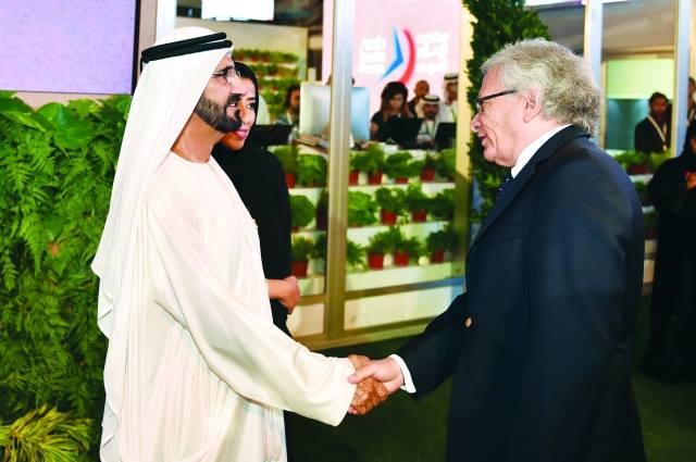 مع الشيخ محد بن راشد آل مكتوم، نائب رئيس دولة الإمارات ورئيس مجلس الوزراء بدولة الإمارات