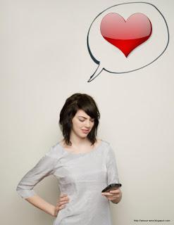 une_fille_ecrit_un message d'amour