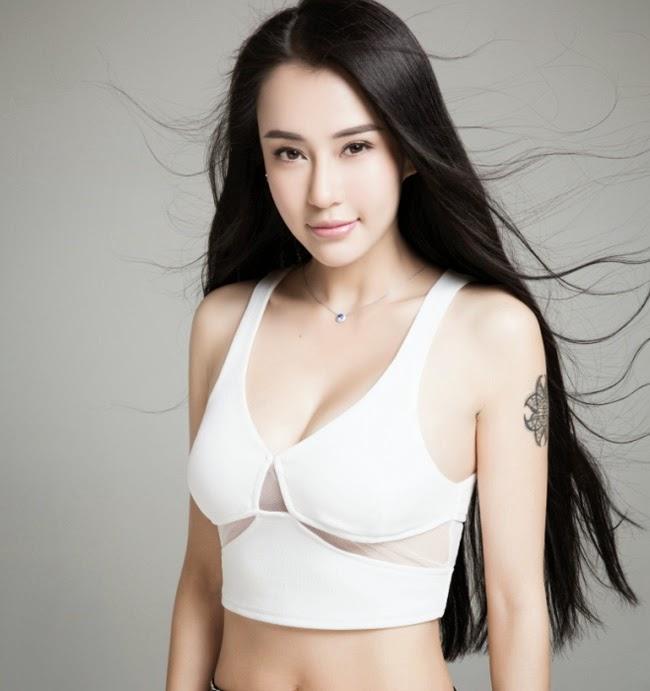 Vẻ nóng bỏng khó cưỡng của nữ hoàng yoga châu Á|raw
