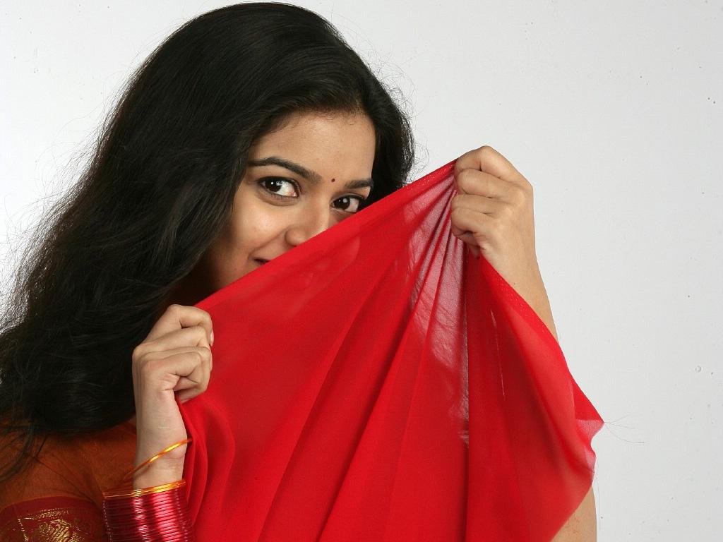 http://2.bp.blogspot.com/-G9f_2qYYPNs/TiaUJFRLg2I/AAAAAAAAAxo/5BZvnm0LSsA/s1600/colors_swathi_south_indian_actress-normal.jpg