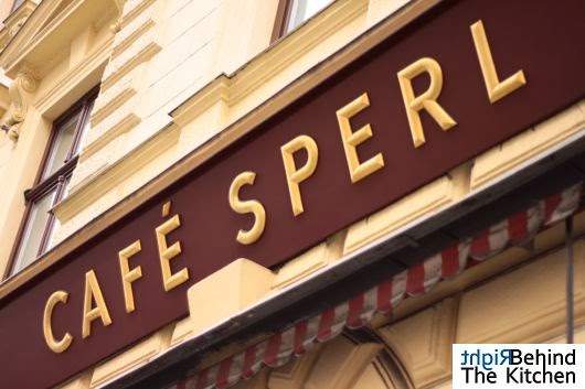 Cafe Sperl - Gumpendorfer Straße 11 - kultowa kawiarnia wiedeńska z 1880 roku