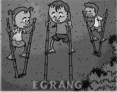 Satu lagi permainan tradisional Indonesia adalah Egrang. Permainan ini