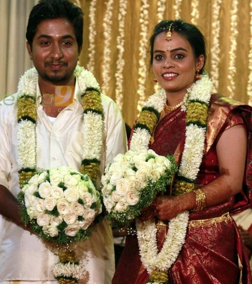 MALAYALAM ACTOR, SINGER VINEETH SREENIVASAN WEDDING PHOTO GALLERY