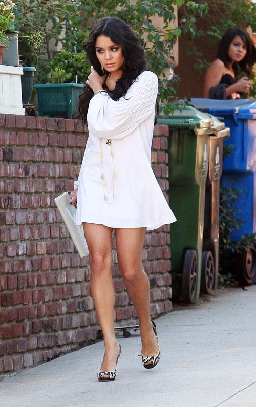 vanessa hudgens casual look. Vanessa looks so fresh and