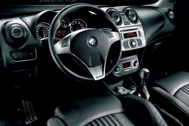 2011-Alfra-Romeo-MiTo-Interior-front