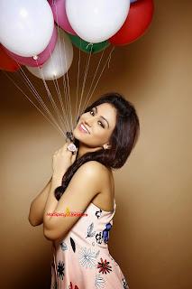 Aksha Pardasany 12.jpg