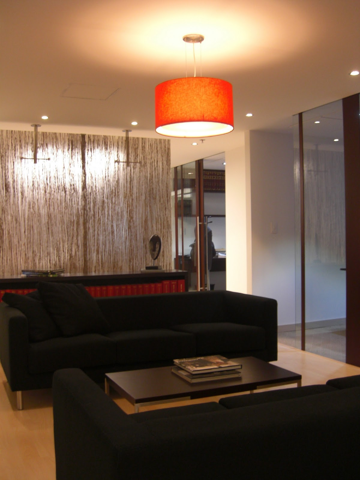 Oficina de abogados color arte dise o decoraci n claudia for Oficinas de abogados decoracion