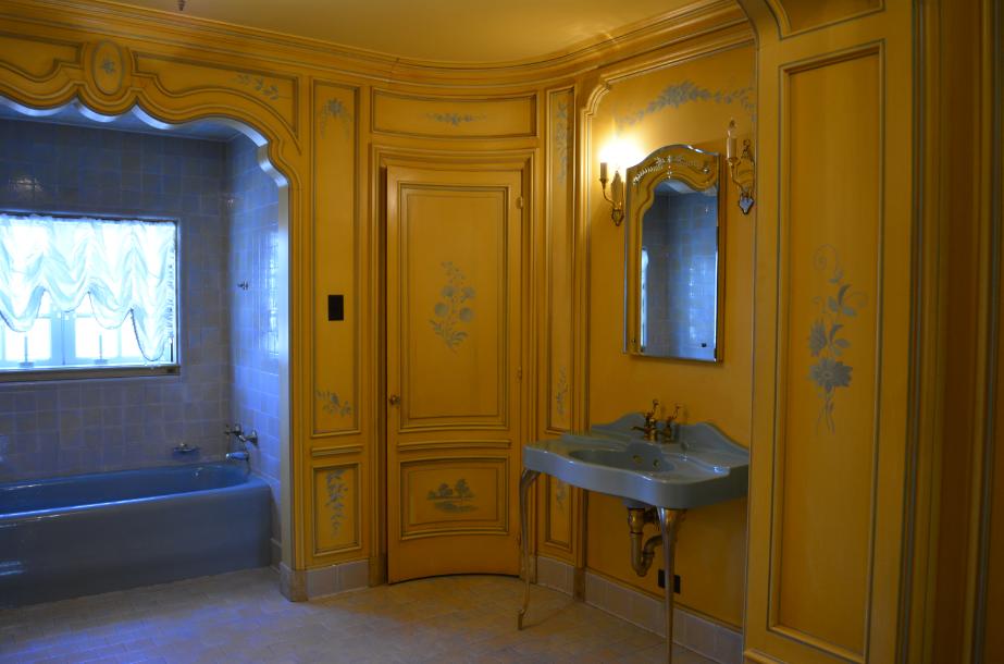 The Closet Historian The Art Deco Bathroom