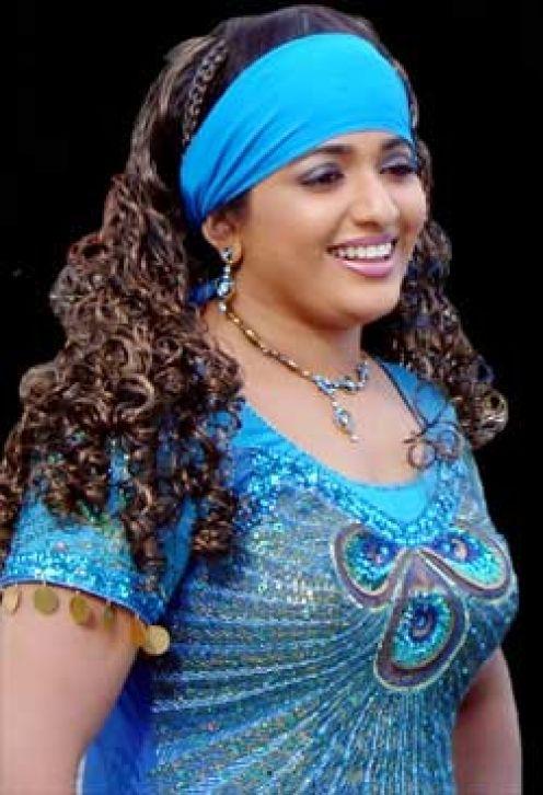 ACTRESS SEXY PHOTOS: Kavya madhavan hot photos in saree