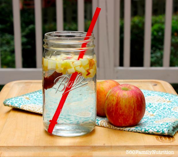 water wednesdays: apple cinnamon water