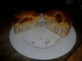 Higgidy Chicken pot pie with ham and leek