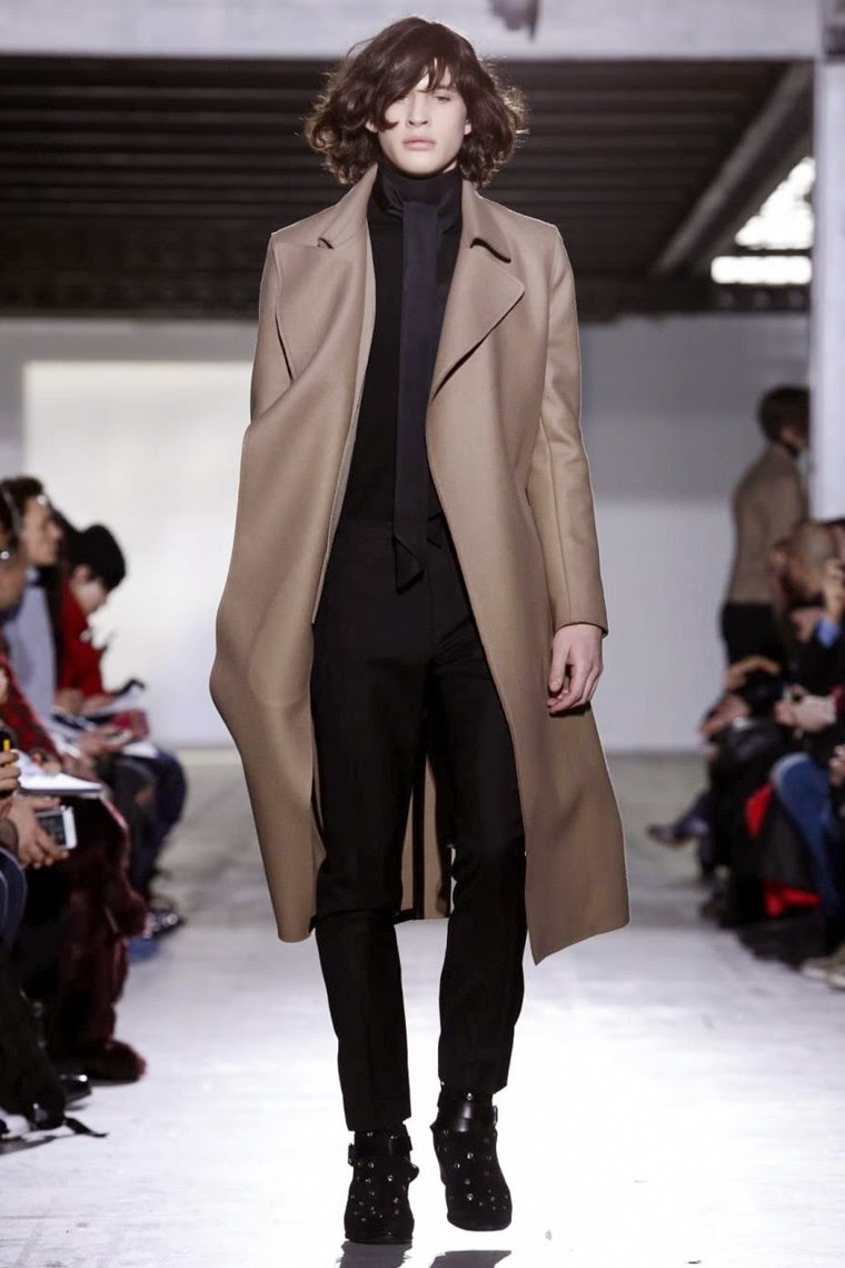 Costume National AW15, Costume National FW15, Costume National Fall Winter 2015, Costume National Autumn Winter 2015, Costume National, du dessin aux podiums, dudessinauxpodiums, MFW, Pitti Uomo, mode homme, menswear, habits, prêt-à-porter, tendance fashion, blog mode homme, magazine mode homme, site mode homme, conseil mode homme, doudoune homme, veste homme, chemise homme, vintage look, dress to impress, dress for less, boho, unique vintage, alloy clothing, venus clothing, la moda, spring trends, tendance, tendance de mode, blog de mode, fashion blog,  blog mode, mode paris, paris mode, fashion news, designer, fashion designer, moda in pelle, ross dress for less, fashion magazines, fashion blogs, mode a toi, revista de moda, vintage, vintage definition, vintage retro, top fashion, suits online, blog de moda, blog moda, ropa, blogs de moda, fashion tops, vetement tendance, fashion week, Milan Fashion Week