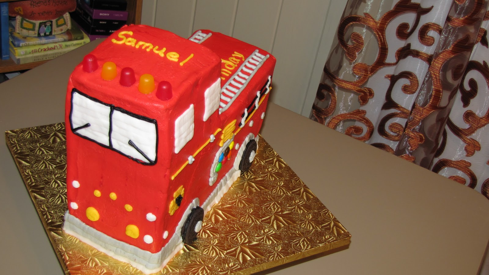 wilton fire truck cake decorating instructions