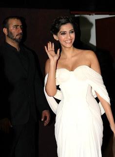 Sonam Kapoor sexy pictures