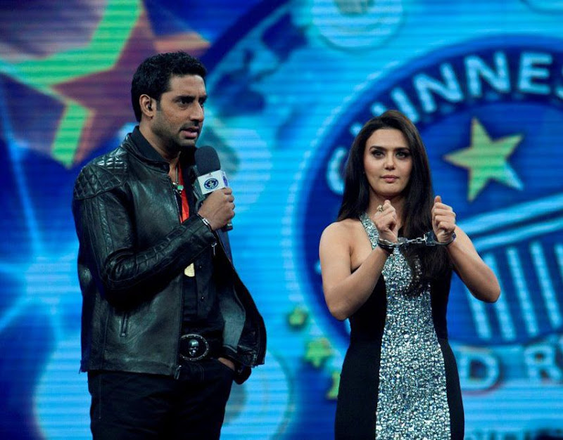 Abhishek Bachchan At Guinness World Records Latest PicsPhotos film pics