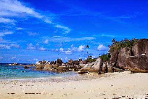 Indahnya Tempat Wisata Pantai Tikus di Bangka