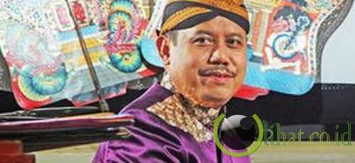 Ramalan Budayawan Rohmad Hadiwijoyo