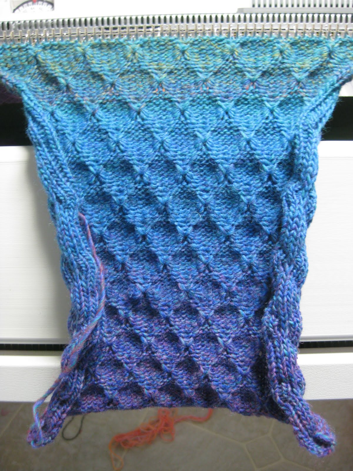 Machine Knitting Fun: Machine Knit Tuck Scarf