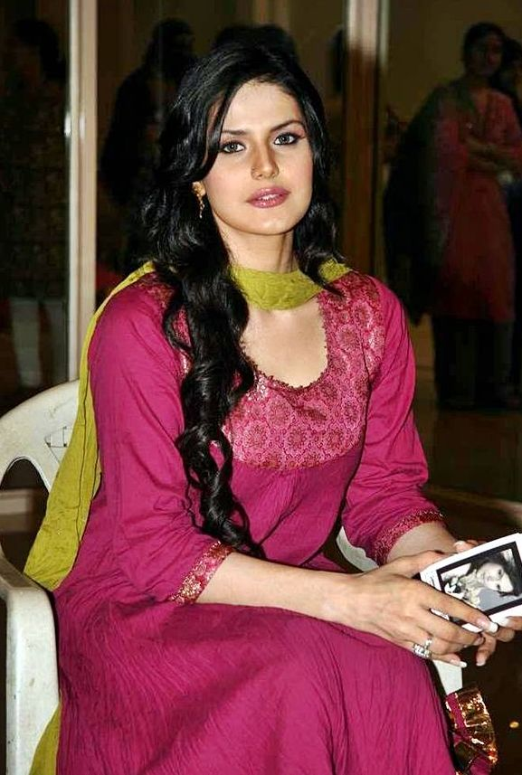 Zarine-Khan+hot+photos+in+salwar+kamiz