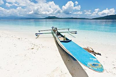 Molana Island Beach