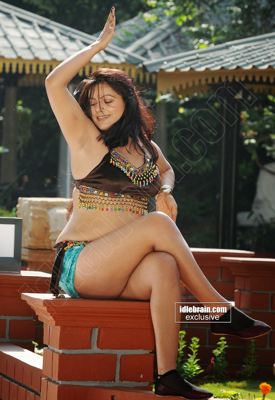 telugu actress reva sexy legs