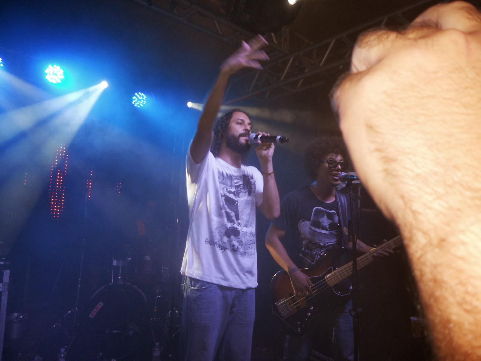 Fotos e Vídeos do Show do Gabriel O Pensador, no Bali Hai, em Porto Belo-SC