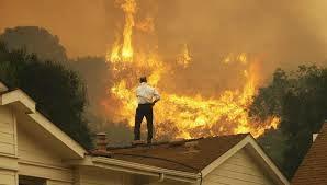 Пожар в Малибу Кладет Дома знаменитостей в опасности