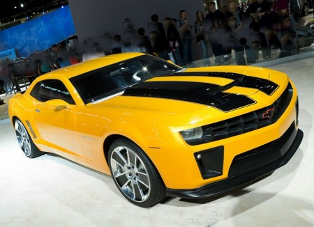 Camaro Transformers on The Camaro Will Once Again Star As  Bumblebee  In  Transformers  Dark