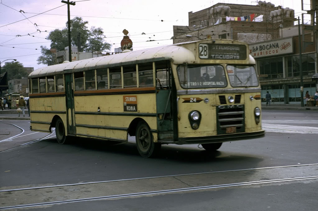 Autobuses de dina fotografias 36